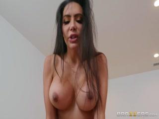 Смотреть порно видео с красивой девушкой в чулках и сочной попкой